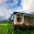 Stockfoto: Old lorry in field