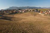Dağ evleri ile — Stok fotoğraf