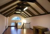 屋根裏部屋のインテリア — ストック写真