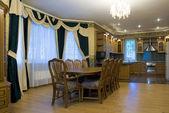 Interni classici del salotto — Foto Stock