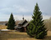 Dřevěný kostel v ruské — Stock fotografie