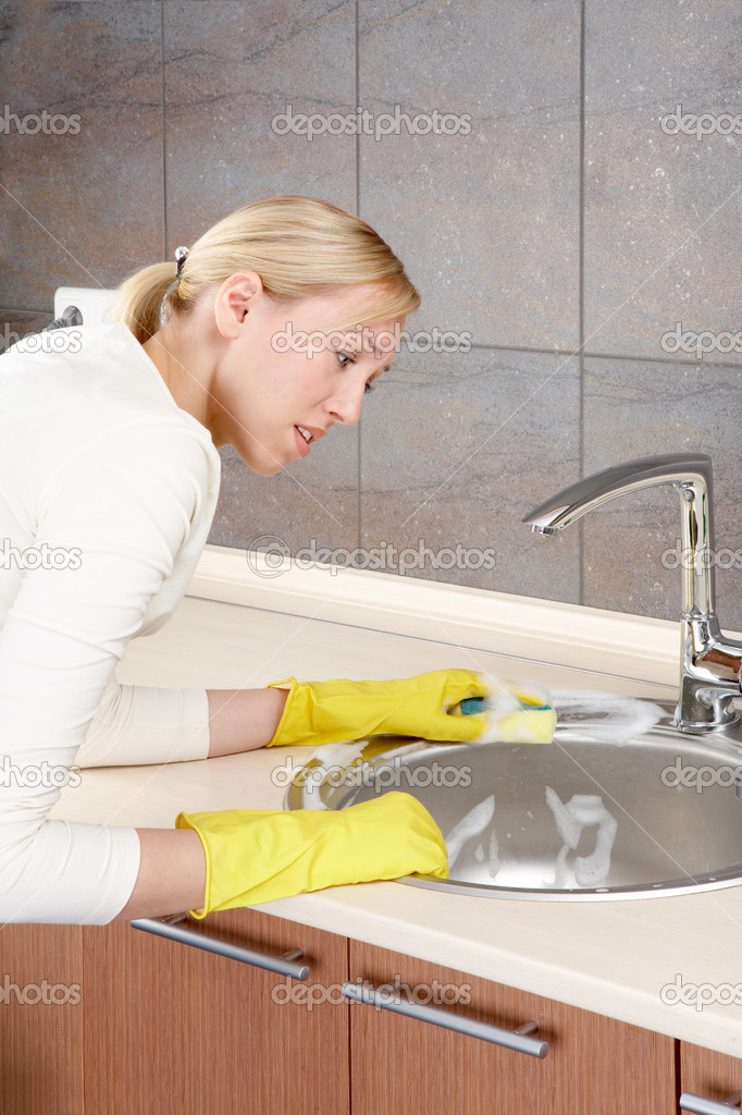 Bathroom cleaning equipment