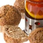 Muffin with tea macro — Stock Photo