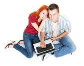 Para z laptopa — Zdjęcie stockowe