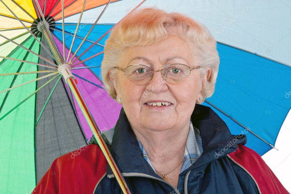 老妇与伞 — 图库照片08saphira#3323401