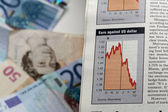 Currency Graph in newspaper — Stock Photo
