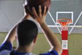 Ateş basketbolcu — Stok fotoğraf