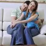 coppia rilassante a casa — Foto Stock