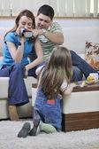 Szczęśliwa rodzina chwile na wideo — Zdjęcie stockowe