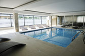 Indoor swimmingpool — Stockfoto