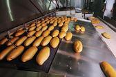 Producción de la fábrica de pan — Foto de Stock