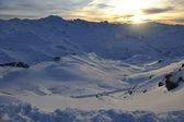 Pôr do sol de neve montanha — Foto Stock