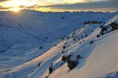 山の雪の日没 — ストック写真