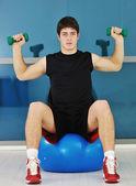 男性フィットネス トレーニング — ストック写真