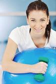Ung kvinna fitness träning — Stockfoto