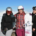 Group on snow at winter season — Stock Photo #5134576
