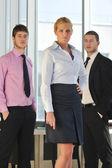 Joven empresario en la sala de oficina — Foto de Stock