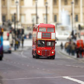 Red bus on Trafalgar square London — Stock Photo