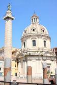 Traian column and Santa Maria di Loreto in Rome, Italy — Stockfoto