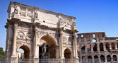Arco de Constantino and Colosseum in Rome, Italy — Photo