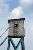 Fotograaf wachten op jacht blind — Stockfoto
