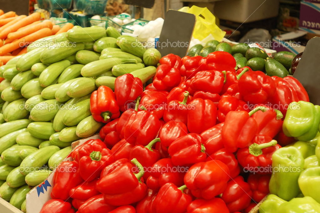 Close up of colorful vegetables on market stand  — Stock Photo #3066364