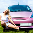 Girl with her car — Stockfoto