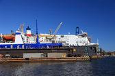 Cruise ship repair — Stock Photo