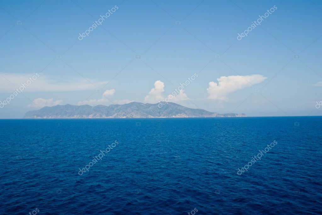 An ocean view from a cruise ship. The sky is nice and cloudy — Stock Photo #3121881