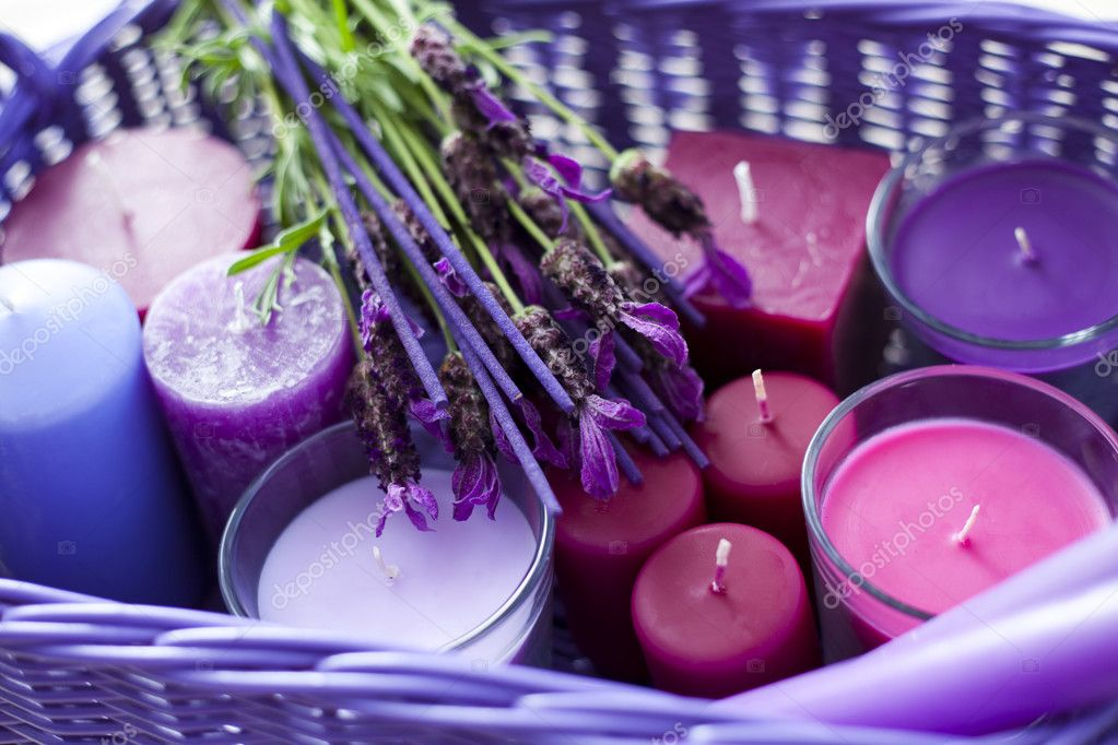 Basket full of lavender candles - aromatherapy — Stock Photo #3493459