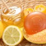 Honey and lemon bath — Stock Photo #4453529