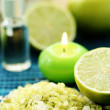 Lime bath salt — Stock Photo