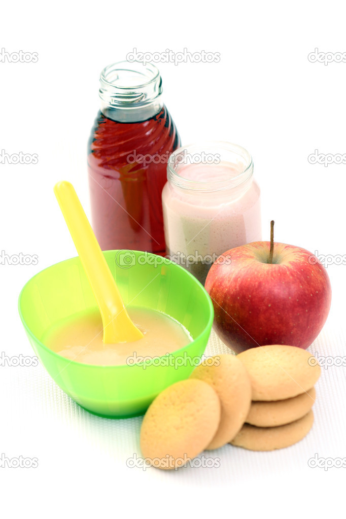 Bottle of juice and bowl of apple - baby food — Stock Photo #4513660