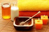 蜂蜜和牛奶 spa — 图库照片
