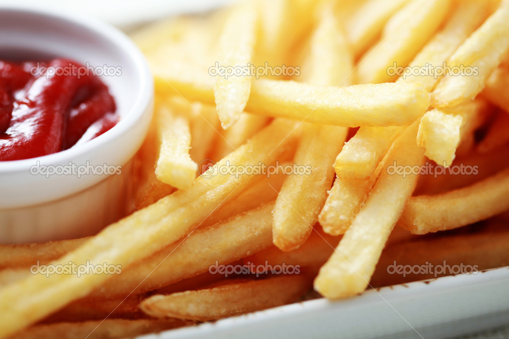Close-ups of french fries and ketchup - food and drink — Stok fotoğraf #4577493