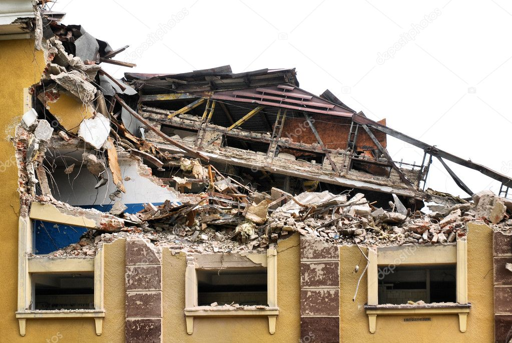 Destroyed building, can be used as demolition, earthquake, bomb, terrorist attack or natural disaster concept. — Stock Photo #3048209