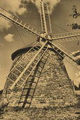 Old windmill — 图库照片