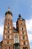 La tour de l'église mariacki à cracovie — Photo
