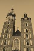 La Torre della Chiesa mariacki a Cracovia, Polonia — Foto Stock