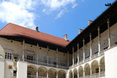 Arcate rinascimentali. castello reale di wawel a cracovia — Foto Stock