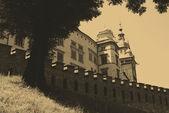 Foto de estilo antiguo del castillo real de wawel, cracovia — Foto de Stock