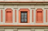 Fönstret i en medeltida byggnad — Stockfoto