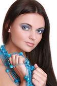 Mavi boncuk ile moda kadın — Stok fotoğraf