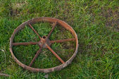 Rusty old steel wheel — Stock Photo