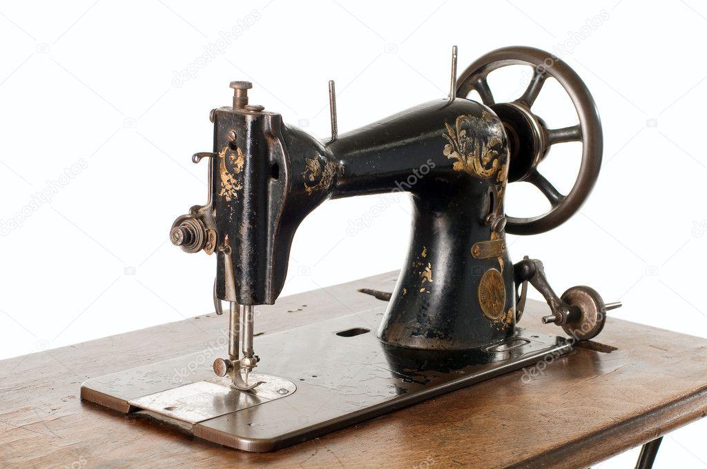一台老式缝纫机白色背景