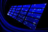 Monitores abstractos azules sobre negro — Foto de Stock