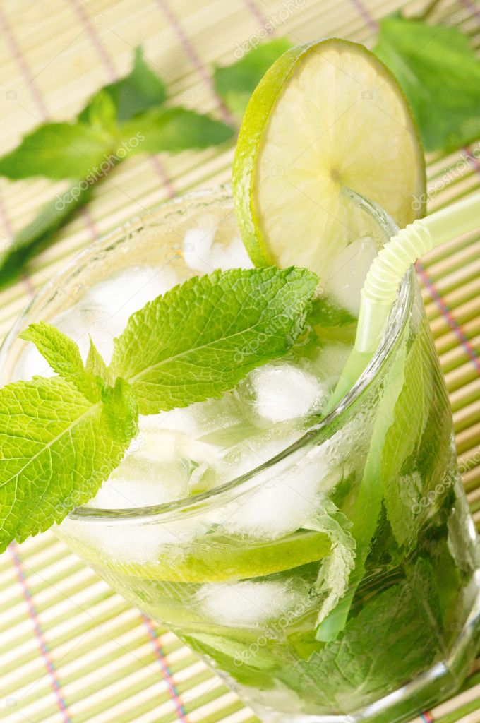 Mojito cocktail — Stock Photo #3556520