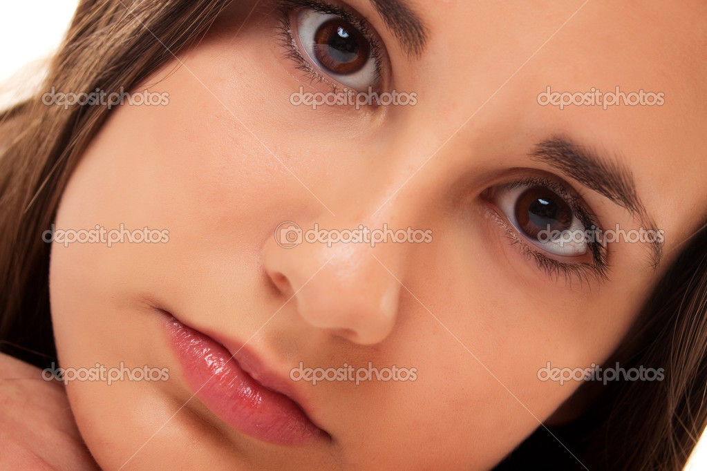 Close-up portrait of beautiful young teenage girl — Stock Photo #2799417