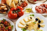 Antipasto, italiaans voorgerecht voedsel — Stockfoto