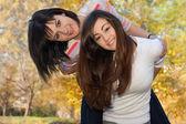 Przyjaciele nastolatek — Zdjęcie stockowe